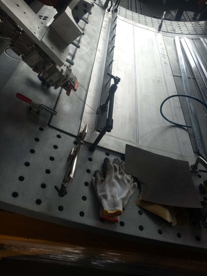 镭烁光电焊缝跟踪传感器抗万瓦级激光干扰验证成功